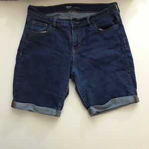 Old Navy Bermuda Shorts Size 4 Regular